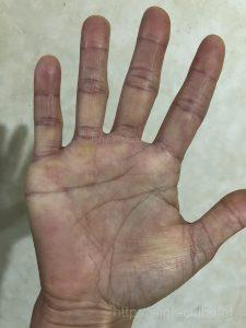右手40代女性の手相占い練習画像100